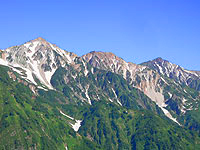 白馬三山、右から白馬岳杓子だけ白馬鑓ヶ岳