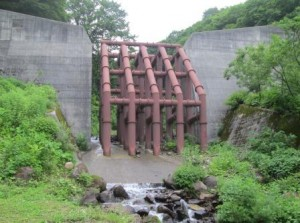 2鋼製格子枠堰堤