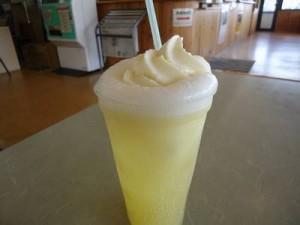 りんごの酸味とソフトクリームの甘味が絶妙