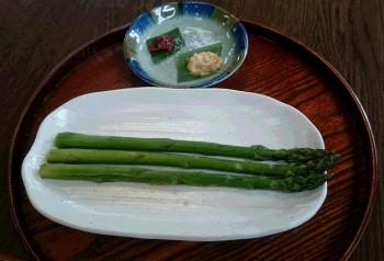 アスパラグリル(塩、味噌マヨ、からし味噌)