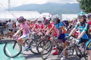 女性によるレース(提供:宮田村観光協会)