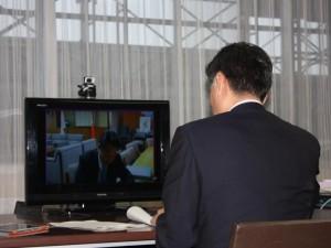 移動知事室WEB会議4 IMG_2525