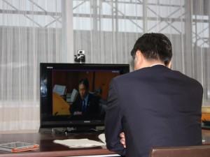 移動知事室WEB会議3 IMG_2505