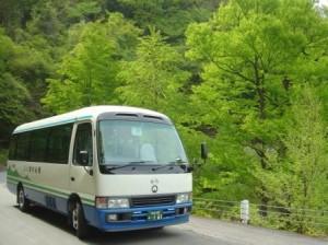0052-01林道バス