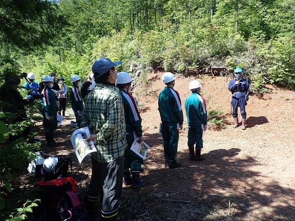王滝中学育林作業の朝の会