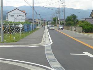ワイン歩道1_R