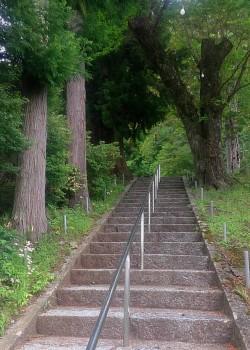写真5峰山寺階段
