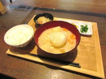 看板メニューの「食べるみそ汁定食」(¥500+税)
