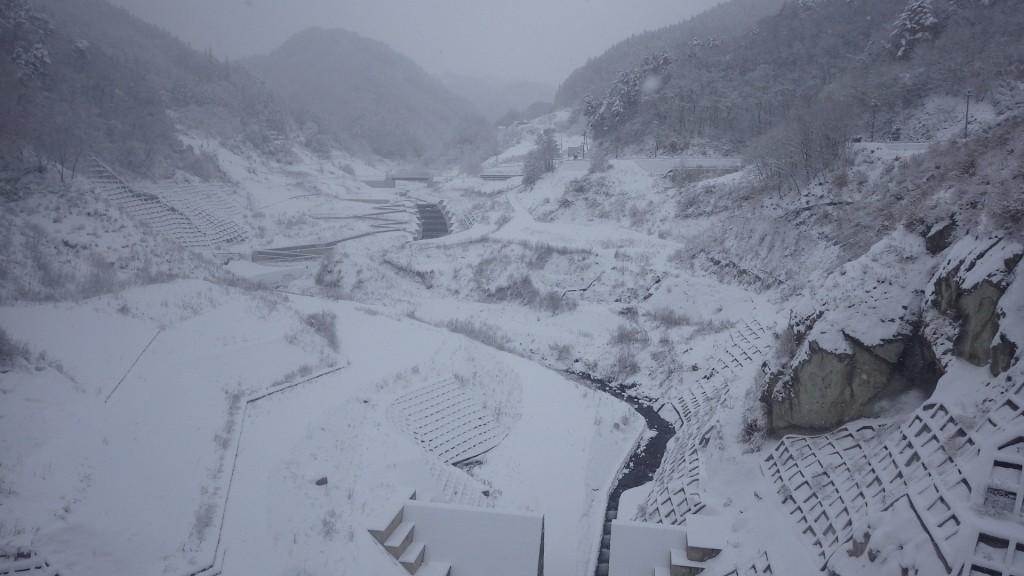 雪の貯水池1