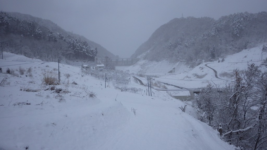 雪の貯水池2
