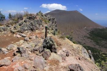 蛇骨岳山頂
