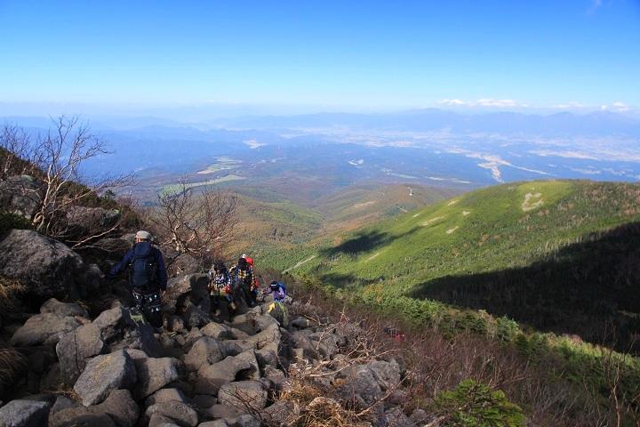 006岩石帯を登る