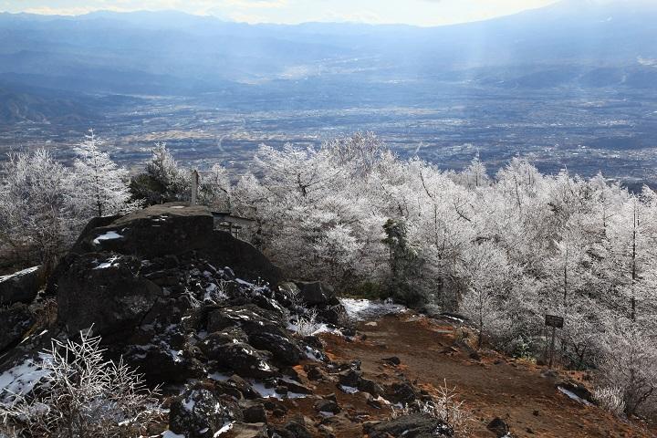 2017.11.19 12.21高峰山山頂から佐久平