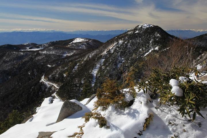 2017.12.10 11.59水ノ塔山山頂から東篭ノ登山
