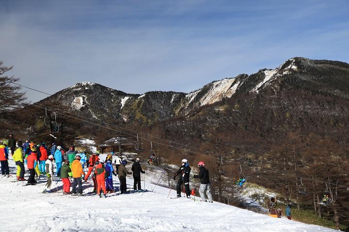 2017.12.10 10.52スキー場から水ノ塔山、篭ノ登山