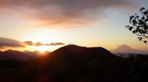 御来光と笠雲富士